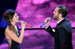 Renzo Rubino e Simona Molinari cantano 'Non arrossire' di Giorgio Gaber