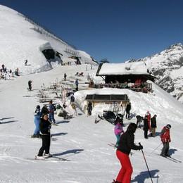 Lizzola, la stagione va avanti  Si scia per 15 giorni. Poi si vedrà