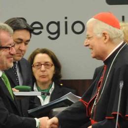 Il cardinale Scola al Pirellone  I «cinque stelle» lasciano l'aula
