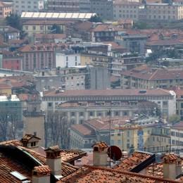 Case, prezzi giù del 6,6% nel 2013   Ma a Bergamo va peggio: - 9,2%