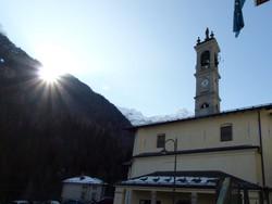 VALCANALE (Ardesio) - il ritorno del sole sul campanile della chiesa parrocchiale