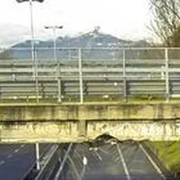 Monterosso, il ponte lesionato  Saltarelli: dovrà essere demolito