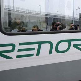 Ferrovieri tra proteste e scioperi  «Trenord cancella centinaia di treni»