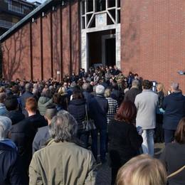 Il commosso addio a Gigi Marconi  A Colognola in centinaia ai funerali