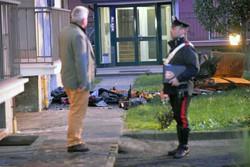 Anche i carabinieri sono intervenuti per il rogo di via Terni