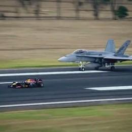 La «Red Bull» contro il jet  La sfida finisce in parità