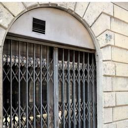 Commercio, il 2014 parte male  149 chiusure in soli due mesi