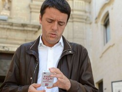 Renzi con la cover di Poloni «Keep Calm and rottama»