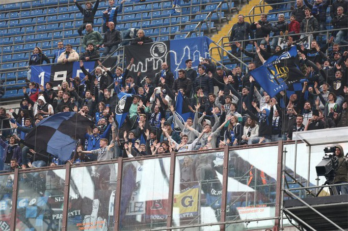 I tifosi dell'Atalanta a San Siro