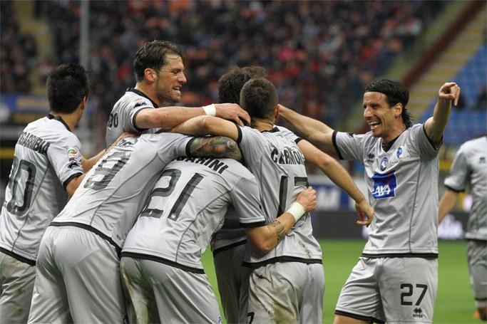 La gioia dell'Atalanta dopo il primo gol di Bonaventura