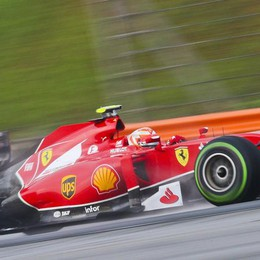 Formula Uno, dominio Mercedes  Alonso è solo quarto