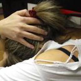 Tenta di violentare un'amica:  un ventiduenne  finisce in cella