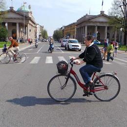 Turisti in bicicletta  nelle Città d'Arte