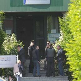 Assaltò l'Agenzia delle Entrate  Ora rivuole i fucili: «Per il figlio»