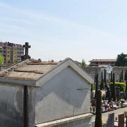 Raid al cimitero di Pontirolo  Spariti 70 metri quadrati di rame