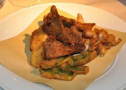Fritto piemontese di zucchine, fegato di maiale, coscette di rana, semolino.