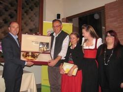 La premiazione del vincitore, l'agriturismo La Robale di Almenno San Bartolomeo