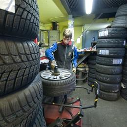 Via i pneumatici invernali L'ordinanza scade martedì 15