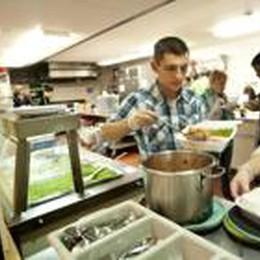 Istat: boom di giovani volontari  Nel no profit un milione di occupati