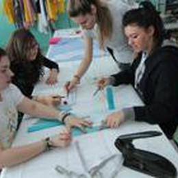Bergamo ha fame di giovani leve  Il  corso di moda è  al rush finale