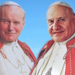 Oggi il giorno di Giovanni XXIII  Nell'albo dei santi con Wojtyla