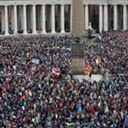 Roma, un milione di pellegrini   In mondovisione la canonizzazione