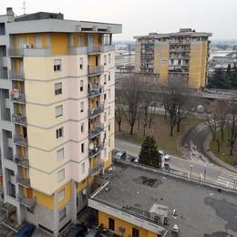 Abusivi nei palazzi da demolire  Primi «no» alle richieste di residenza