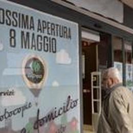 Dalla moda al Carrefour Express Un minimarket in Sant'Alessandro