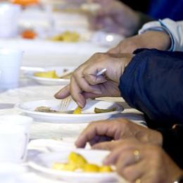 Crescono i poveri a Bergamo Più richiesti cibo e farmaci
