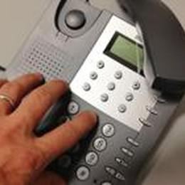 Lonno: 400 telefoni muti  Cavi forati dai colpi di un fucile