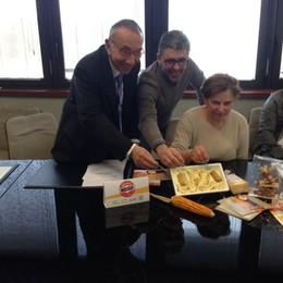 Bergamo in un gusto gelato  È il Mielgòt, con miele e biscotti