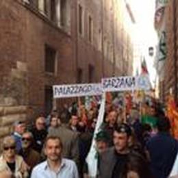 Indipendentisti, Salvini: «Liberateli  O potremmo occupare le prefetture»