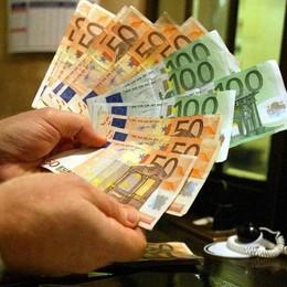 Rom presta 2 mila euro a barista  Poi lo schiaffeggia e ne vuole 8 mila