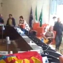 Avevano occupato gli uffici del Pirellone  Ora la Regione presenta il conto ad Usb