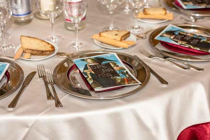 La cena di gala al salone d'onore dell'Accademia Carrara