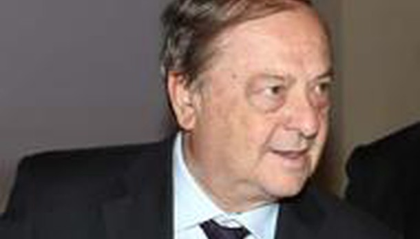 Ascolta Franco Tentorio