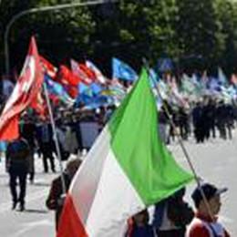 I sindacati dopo il 1° maggio:  «Aiutare i 37mila disoccupati»