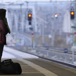Lo sciopero: «Il treno è soppresso  Ma sul cartellone neanche una info»