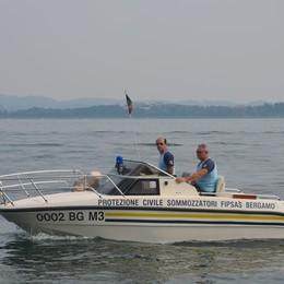 Raid sul lago a Sarnico Ko la barca dei sommozzatori