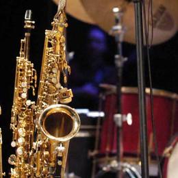 Dodici sassofoni e percussioni  Appuntamento alla sala Greppi
