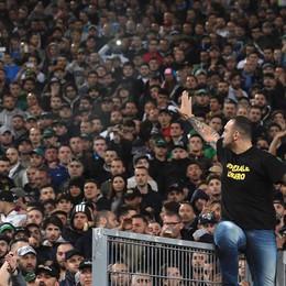 Il calcio è finito ko  Via il potere ai violenti