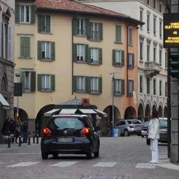 Bergamo e le telecamere: più multe  Ma chi ci guadagna? Le Poste