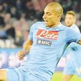 Taroccate le maglie del Napoli Sono contraffatte a Bergamo