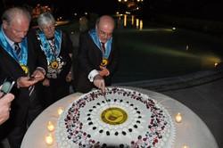 La torta del Trentennale del club. Taglia il presidente avvocato Tucci.