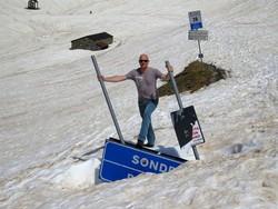 Lino Pozzi, di Valbrembanaweb, al passo l'8 giugno: ancora tanta neve