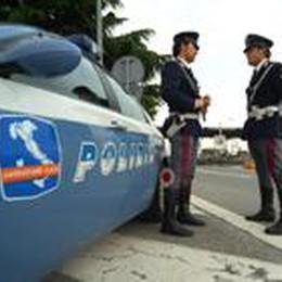 «Li porto in vacanza  in Toscana»    Telgate, preso scafista con 7 siriani