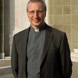 Mons. Dolcini dalla suocera di Bossetti «Grande sgomento, ora serve aiutare la gente»