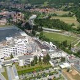 Radici, 50 anni di fibre sintetiche Festa a Casnigo e Villa d'Ogna
