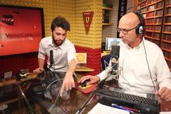 Il direttore di Rete di Bergamo Tv Sergio Villa (a destra) negli studi di Radio Alta