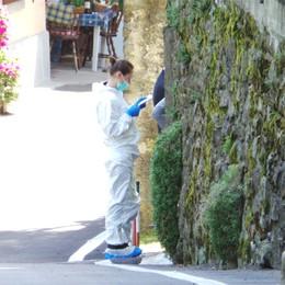 Mapello, i Ris a casa di Bossetti  Usato il luminol, prelevati abiti